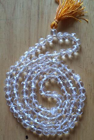 Good Quality Of Crystal Mala In Diamond Cutting